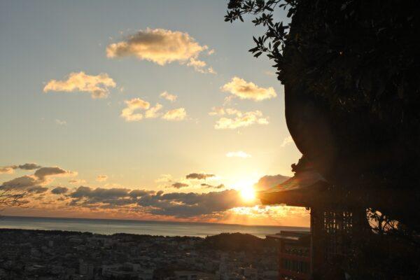 写真:神倉神社(神倉山)から見る朝日
