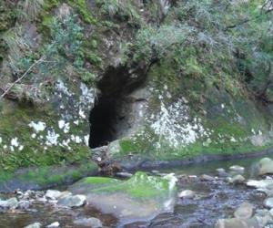 写真:木材流しのトンネル(2枚目)