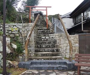 写真:鯨骨鳥居(恵比寿神社)
