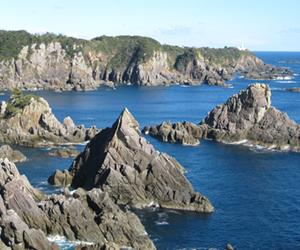 写真:21世紀に残したい日本の自然100選「海金剛」