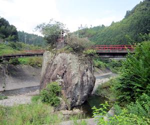 写真:神業!「立岩」