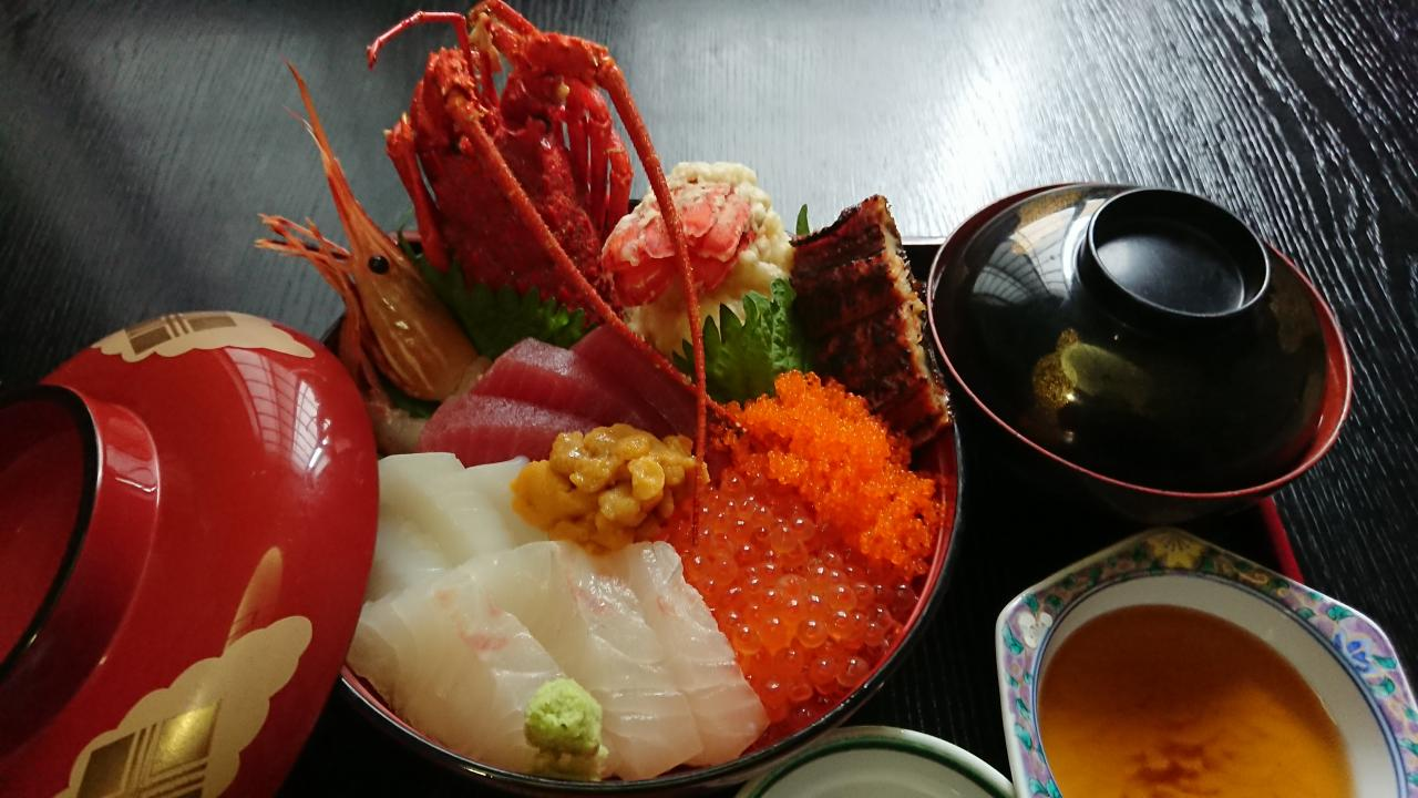 写真:豪華過ぎる海鮮丼(1枚目)