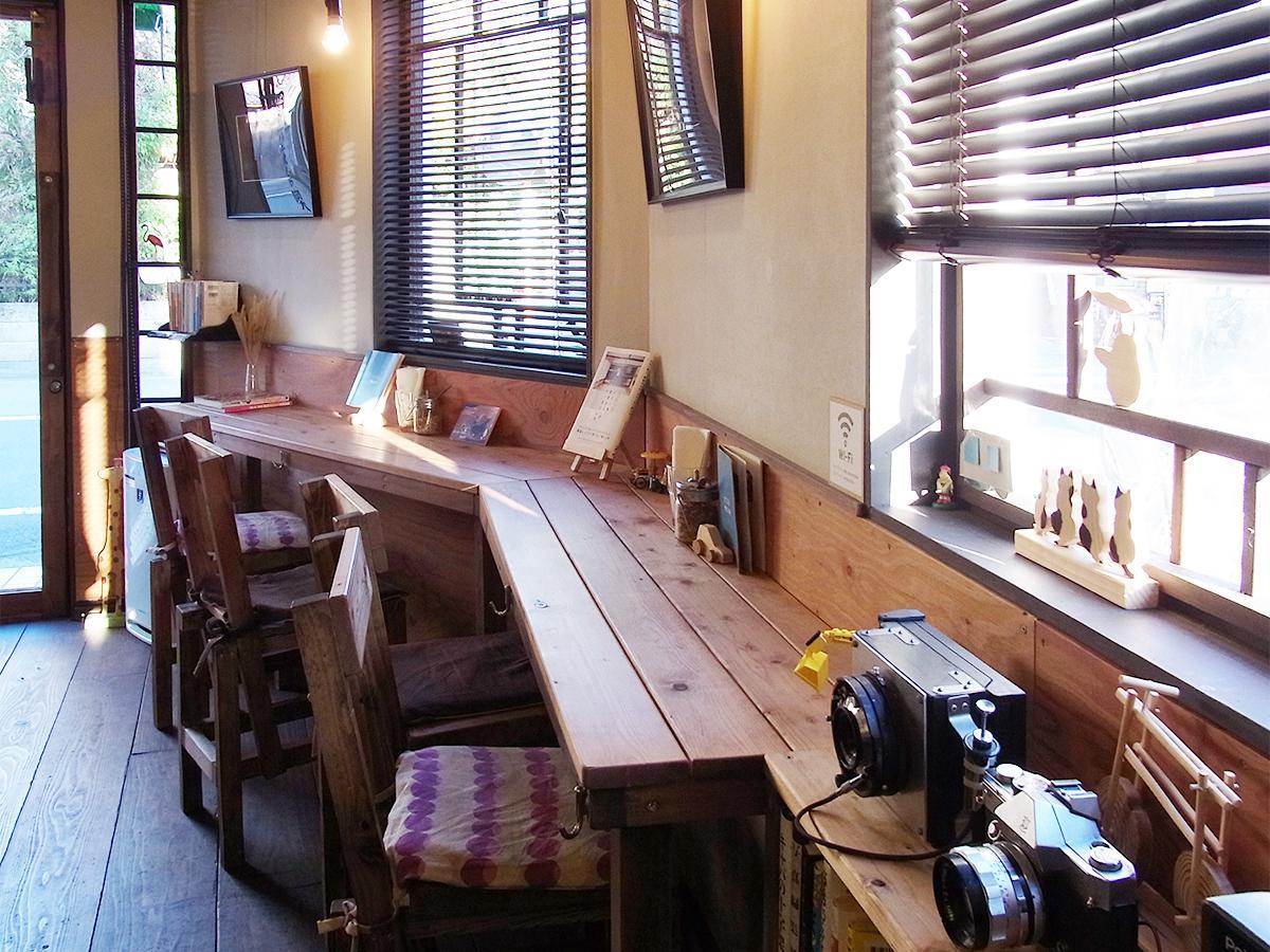 写真:デザイン事務所が営業するカフェ「六文舎喫茶部」(2枚目)