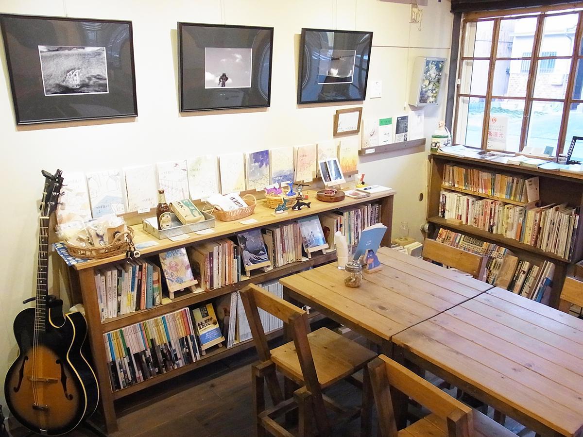 写真:デザイン事務所が営業するカフェ「六文舎喫茶部」(3枚目)