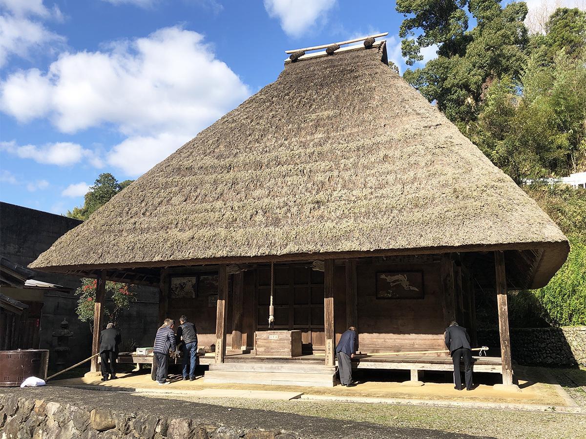 写真:伝統行事「粟生のおも講と堂徒式」が行われる吉祥寺薬師堂(1枚目)