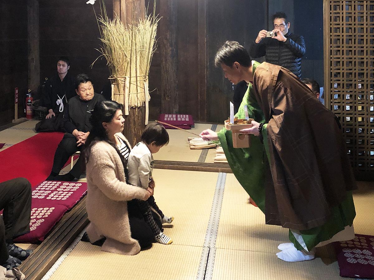 写真:伝統行事「粟生のおも講と堂徒式」が行われる吉祥寺薬師堂(3枚目)