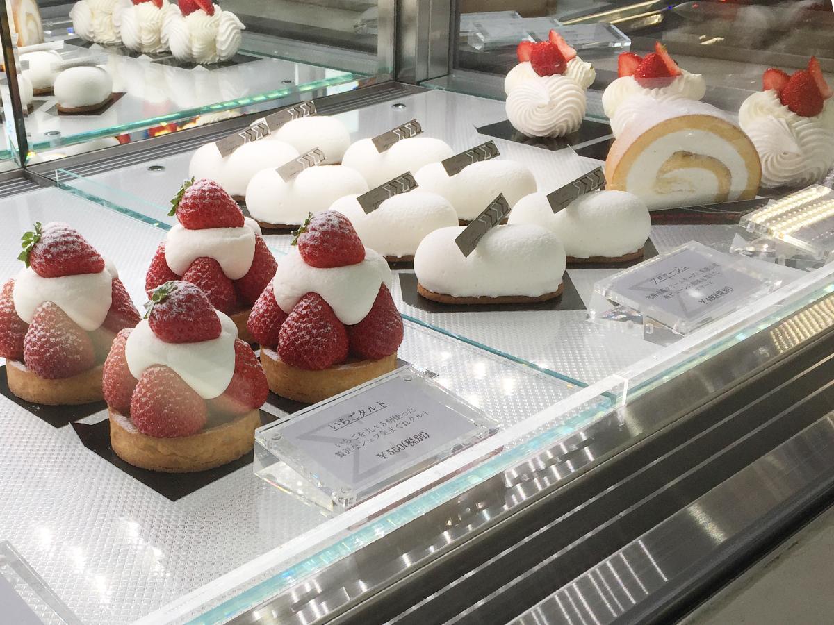 写真:まるで美術館のような洋菓子店(2枚目)