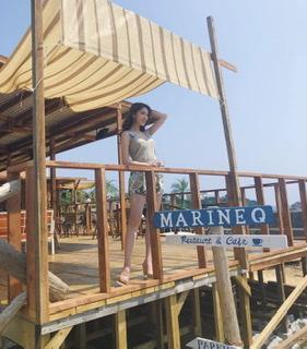 写真:海辺カフェでアクティビティ