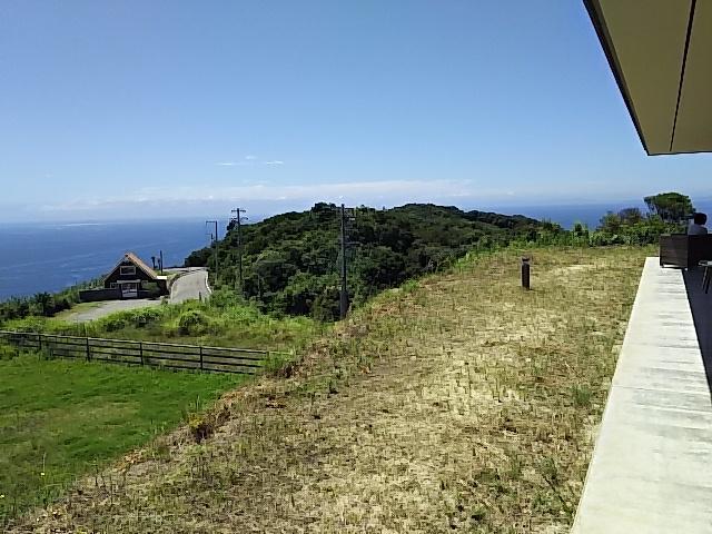 写真:山頂から海を見下ろしたような絶景づくし(2枚目)