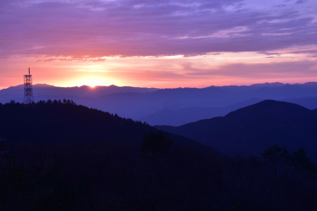 写真:葛城山からの朝日(1枚目)