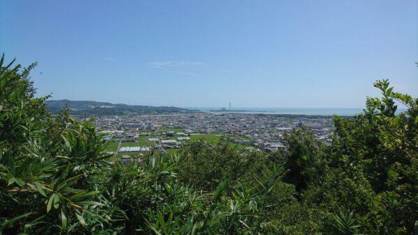写真:亀山山頂(亀山城跡)