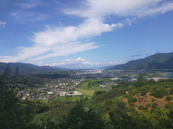 写真:背山(せやま)からの絶景