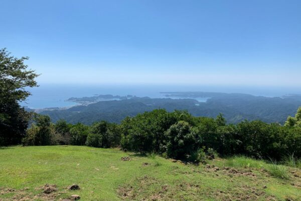 写真:妙法山阿弥陀寺から太平洋を望む
